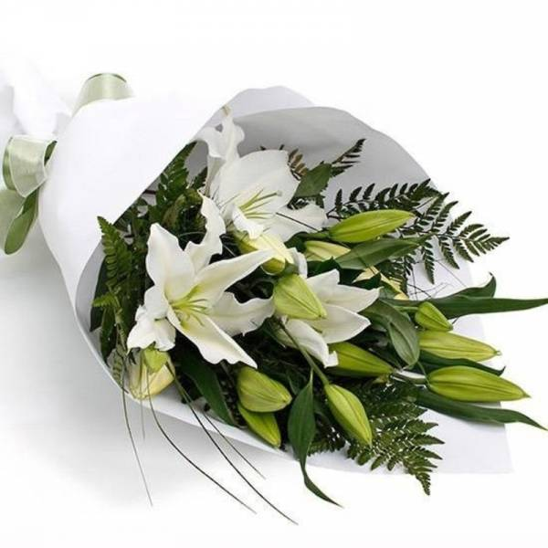 Lovely Lilly bouquet 1