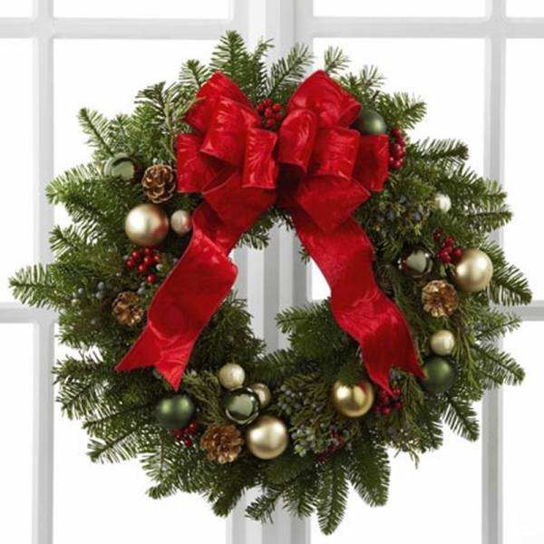 Traditional Christmas Door Wreath 1