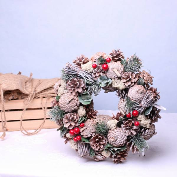 Frosty Green / Red Christmas Wreath 1